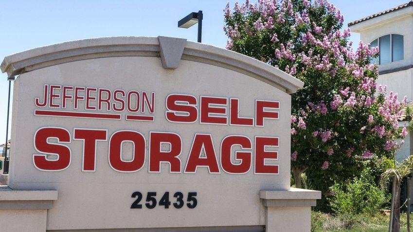 Jefferson Self Storage street signage