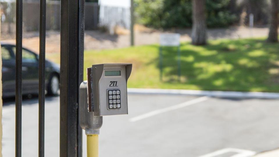 Electronic keypad for gate